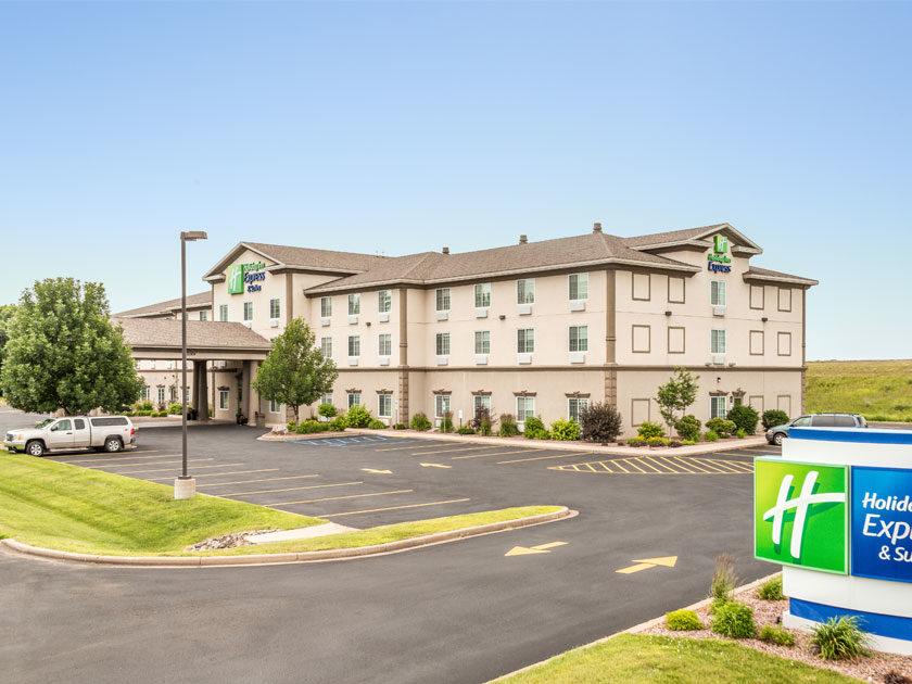 Chippewa Falls Holiday Inn Express & Suites