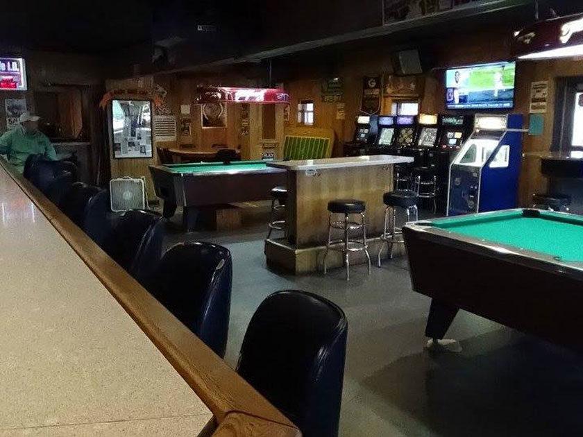 Slim's Lake Hallie Tavern